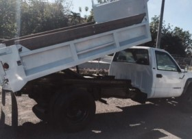 Chevrolet Heavy duty DIESEL con tumba encima