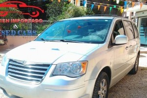 Chrysler Town  Country  2009