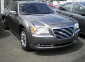 Chrysler 300 2011 bien equipado como nuevo