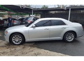Chrysler 300c2012 limited piel aros