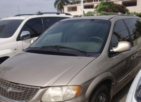 Chrysler Town  Country Limited 2002