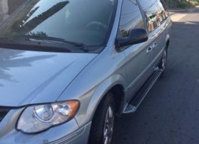 Chrysler town and country 2005 limited