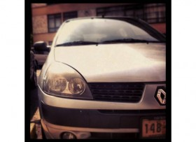 Clío Renault Authentique 2004 Automático