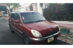 Daihatsu Storia 2002