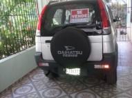 Daihatsu Terios 2002 gris es pan caliente