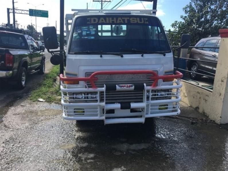 Daihatsu Delta Cama Corta 1996