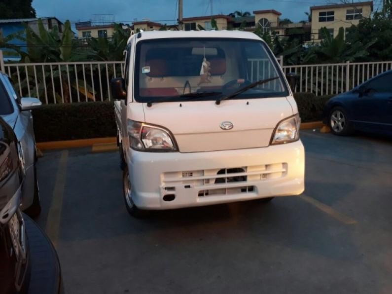 Daihatsu Hijet 2001 muy buenas condiciones  NEGOC