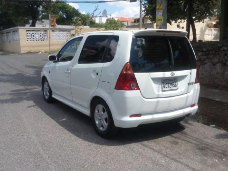 Daihatsu YRV 2001 Blanca