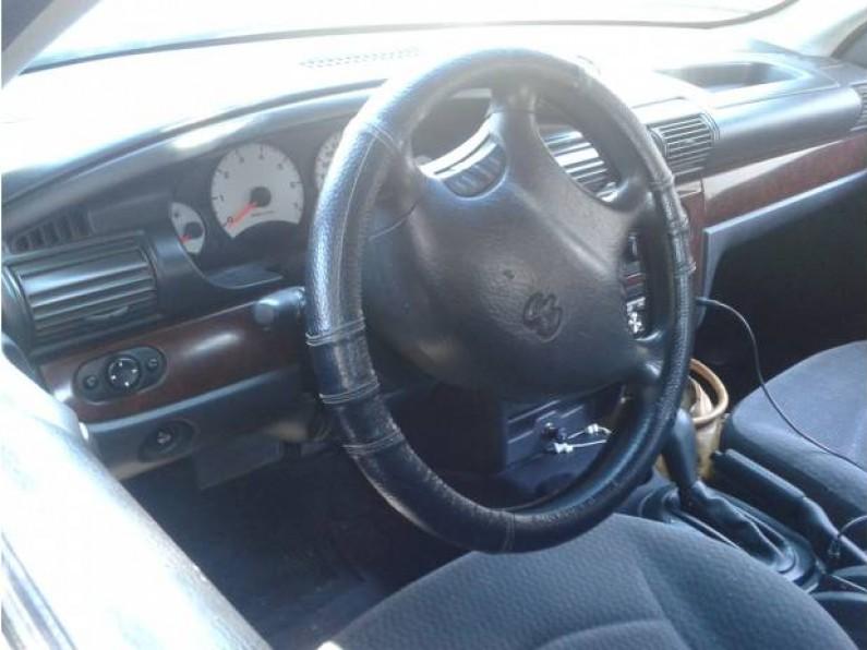 Dodge Stratus Radiador Bateriay Llantas Nuevas