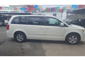 Dodge grand caravan 2011 solo 59mil millas