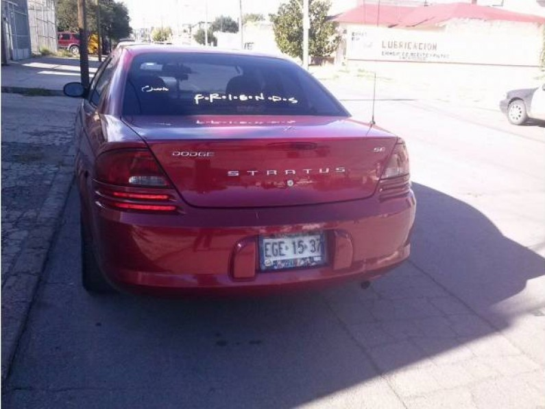 Dodge stratus modelo 2005
