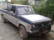 Es buena 1988 camioneta FORD con un motor de nissan