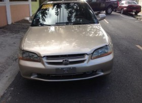 Excelente Honda Accord 2000 v6