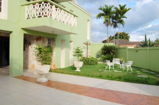 Excelente Residencia En La Mejor Zona De Altos De Arroyo Hondo Iii