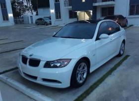 Exelente auto BMW 2008