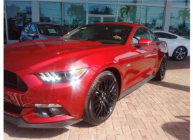 FORD MUSTANG GT RUBI RED STANDARD