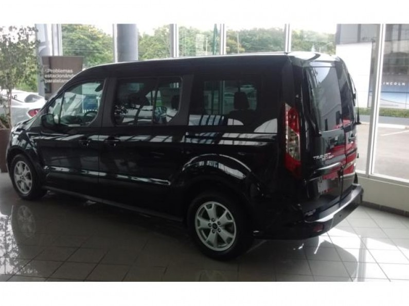 FORD TRANSIT CONNECT XLT NEGRA 7 PASAJEROS