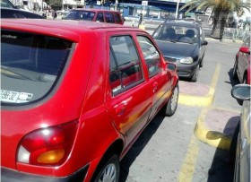 Fiesta Ford económico 2000