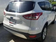 Ford Escape 2015 blanca