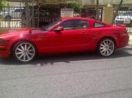 Ford Mustang 2005 rojo