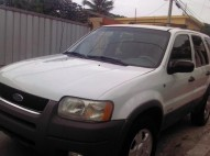 Ford escape 2002 blanca