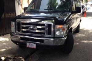 Ford van 350 tipo Limonsina de 15 pasajeros
