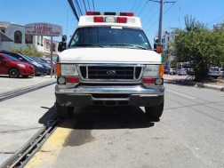 Ford E-350 Ambulancia 2006