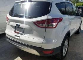 Ford Escape 2015 blanca