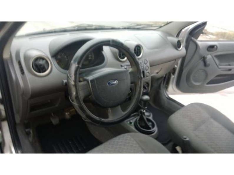 Ford Fiesta 2006 Sedan
