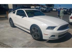 Ford Mustang 2013 V6