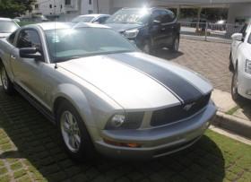 Ford Mustang 45 Aniversario 2009