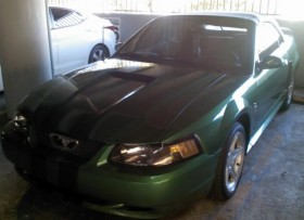 Ford Mustang Convertible 2000 como nuevo