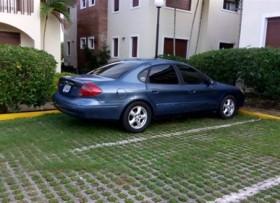 Ford Taurus 2002