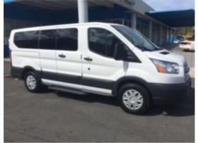 Ford Transit XLT 8 Pasajeros
