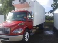 Freightliner M2 2005