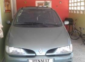 Guagua Renault 2000 Megane 1999 color verde