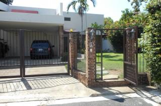 Hemosa Casa En Venta En Sector De Arroyo Hondo Viejo 370 M2 Construcción  600 Solar