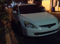 Honda Accord 2005 Blanco V6 Full Blanco