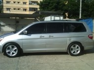 Honda Odyssey Touring 2005