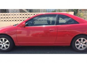 Honda Civic 2004 poco millage 3500