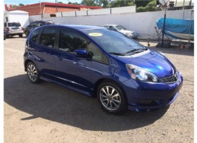 Honda Fit 2013 18000 millas solo 13995