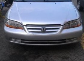 Honda accord 2002 color gris