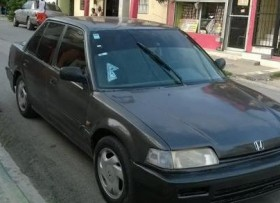 Honda civic 1991 gris con un motor d16 transmicion mec