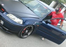 Honda civic 1998 hatchback Azul