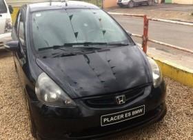 Honda fit 2007 negra en la lata