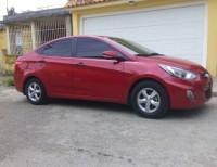 Hyundai Accent 2014 rojo automatico