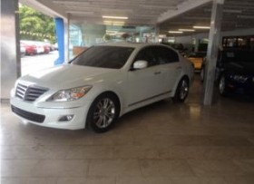 Hyundai Genesis 2010 4 puertas como nuevo