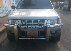 Isuzu Rodeo 2002