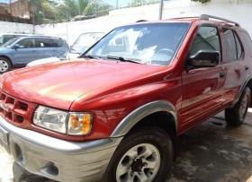 Isuzu Rodeo LS 2001