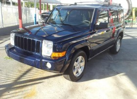JEEP COMMANDER 4X4 3 FILAS ASIENTOS